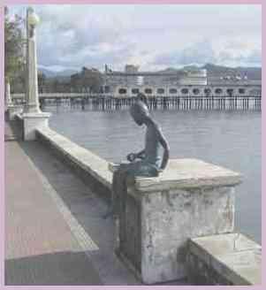 Достопримечательность Сухума Скульптура. Сухумская набережная