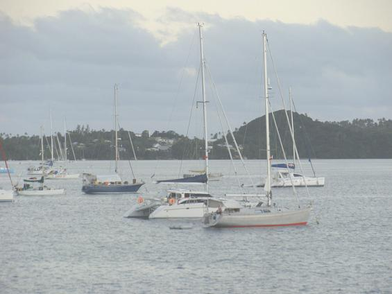 Морские суда у побережья архипелага Вавау