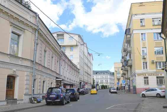 Москва. Певческий переулок